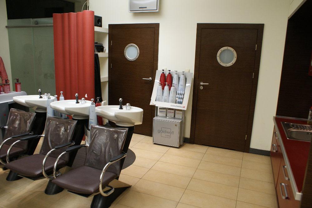 Stanowiska do przygotowywania fryzur w salonie